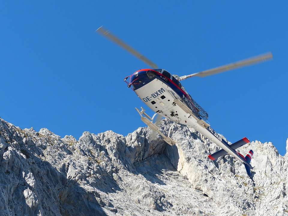 helicopter-2274355_960_720