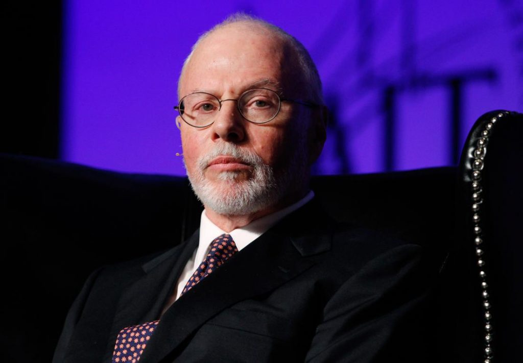Paul Singer, founder, CEO, and co-chief investment officer for Elliott Management Corporation, attends the Skybridge Alternatives (SALT) Conference in Las Vegas, Nevada in this May 9, 2012, file photo. Billionaire New York investor Paul Singer sent a letter to dozens of other donors on October 30, 2015, declaring his support for Rubio in a major blow to the struggling campaign of former Florida Governor Jeb Bush, the newspaper said.  REUTERS/Steve Marcus/Files