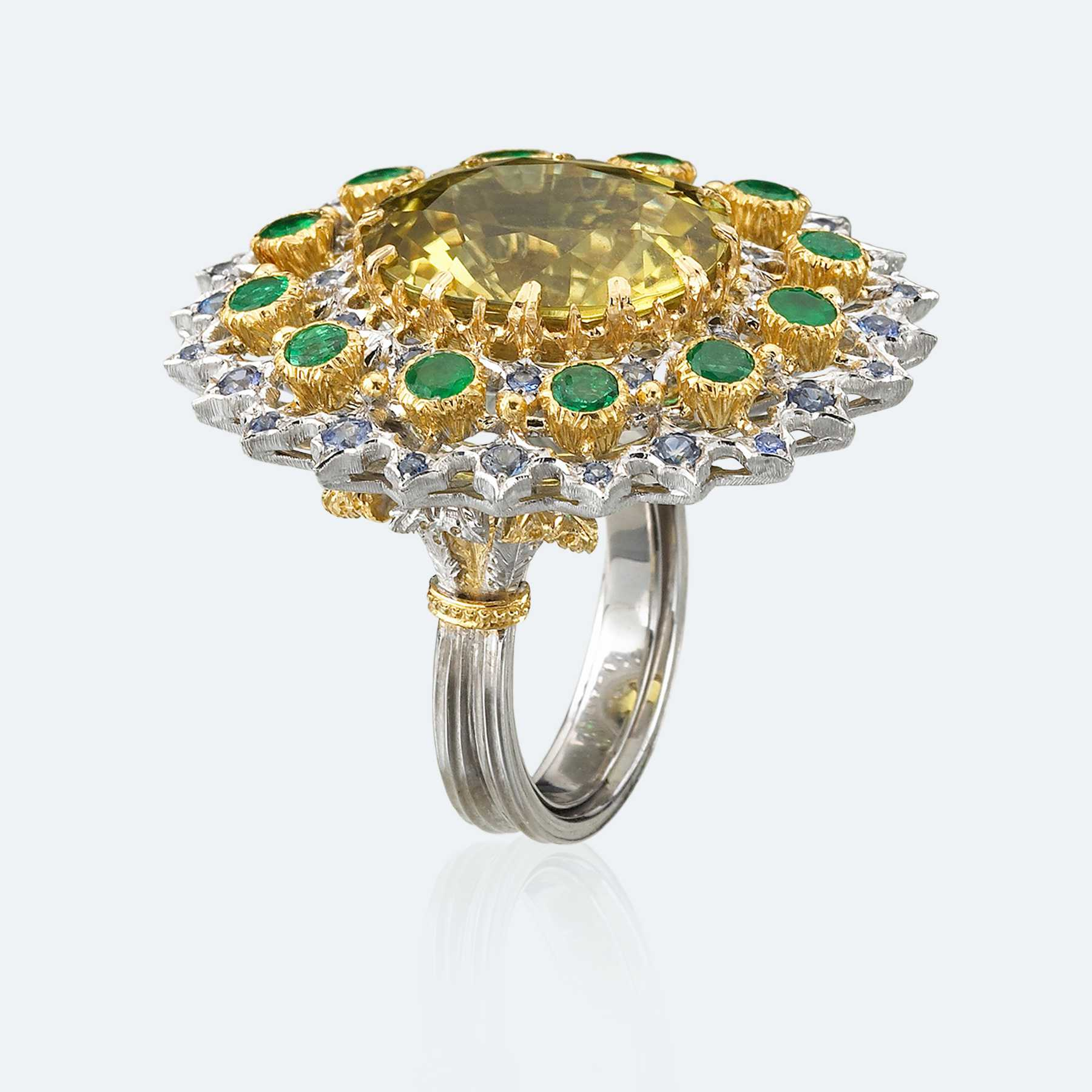 </span></figure></a> <em>Anello da cocktail con citrino di Buccellati</em>