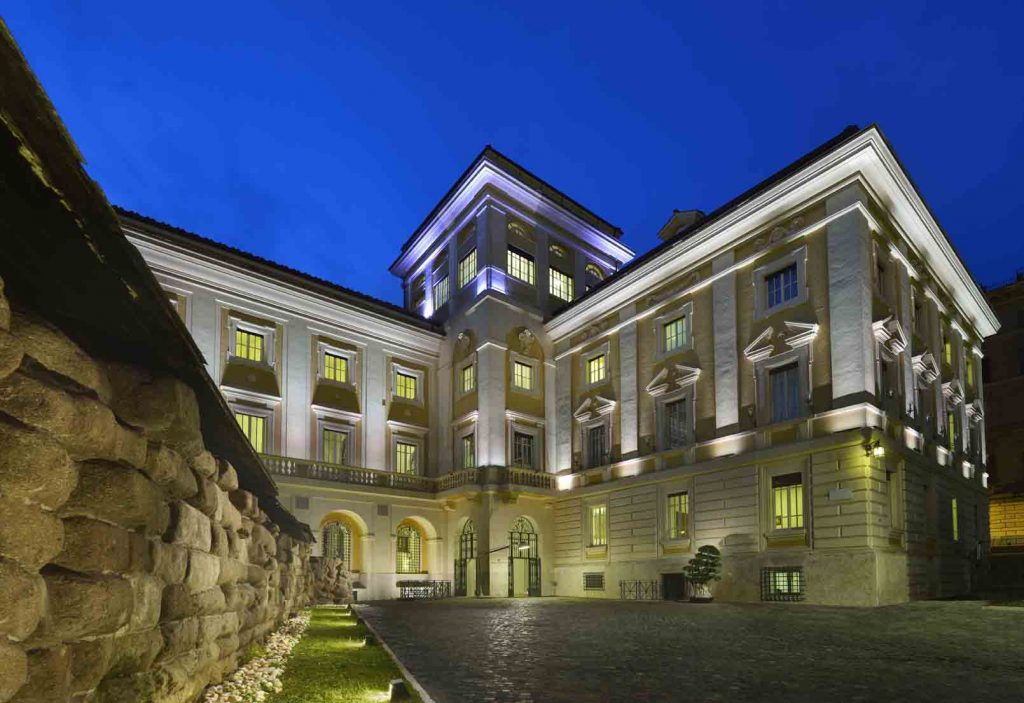 palazzo-montemartini_ragosta-hotels_esteno-night-lr-2